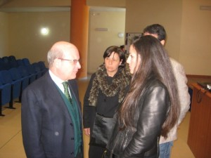 Intitolazione foyer Liguori - 004 questore con famiglia Liguori