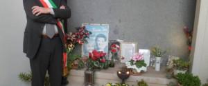 """Oggi """"è nata una stella"""": San Giorgio a Cremano ricorda Massimo Troisi nell'anniversario della sua n..."""
