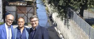 San Giorgio a Cremano, raccolta firme in via Botteghelle. Anche i politici Mario Casillo e Vincenzo ...