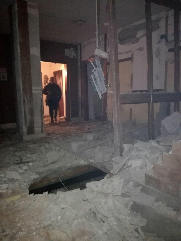 Ordigno esploso in un palazzo durante i festeggiamenti di capodanno
