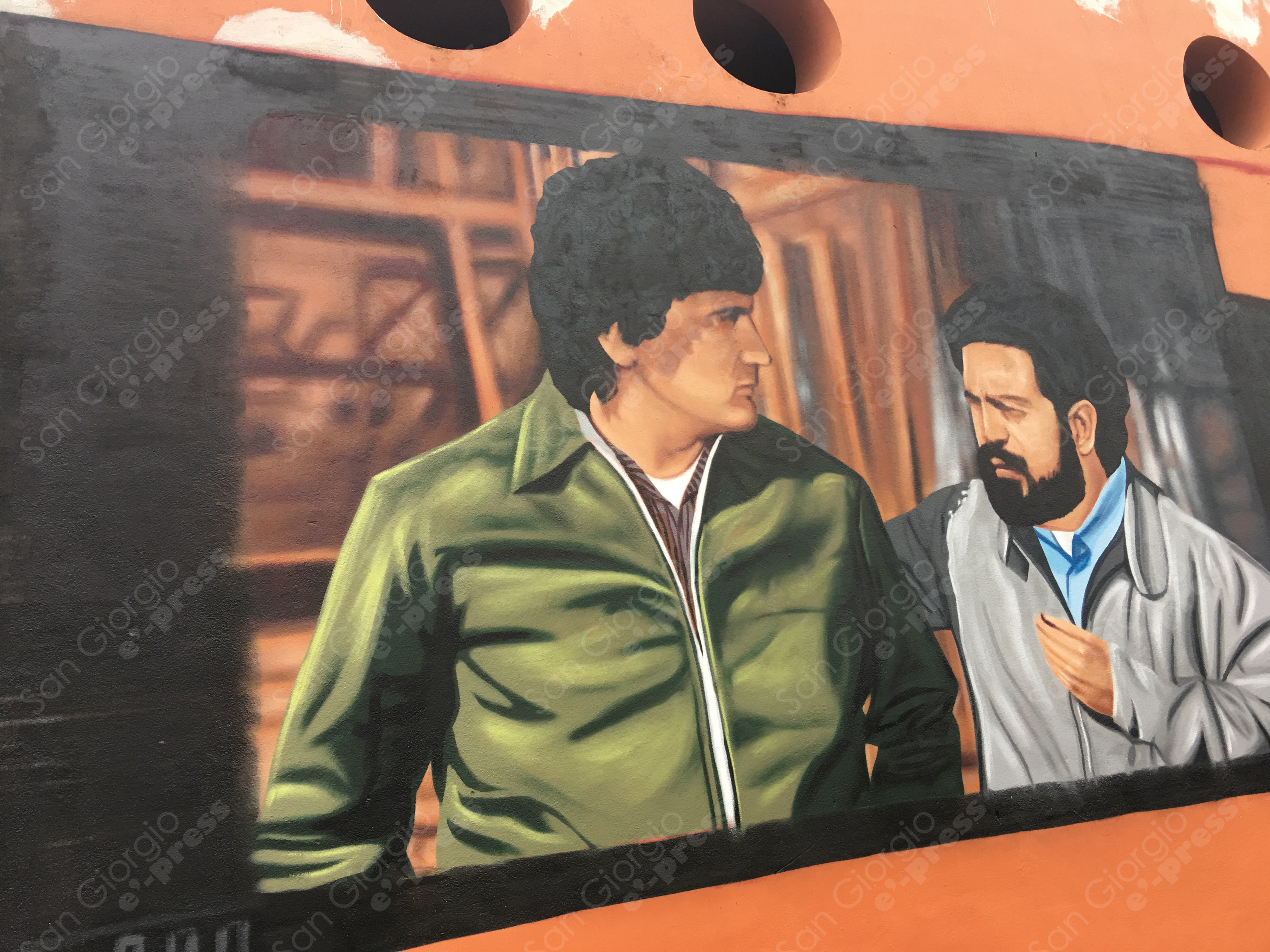 Proseguono i lavori di Jorit Agoch sul murales dedicato a Massimo Troisi