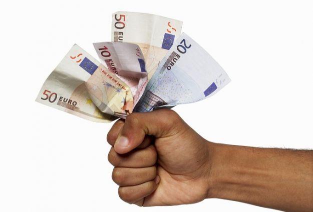 Riduzione della Tari, il Consiglio approva la riduzione della pressione fiscale. Il M5S abbandona l'...